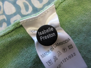 snappy tag on clothing label
